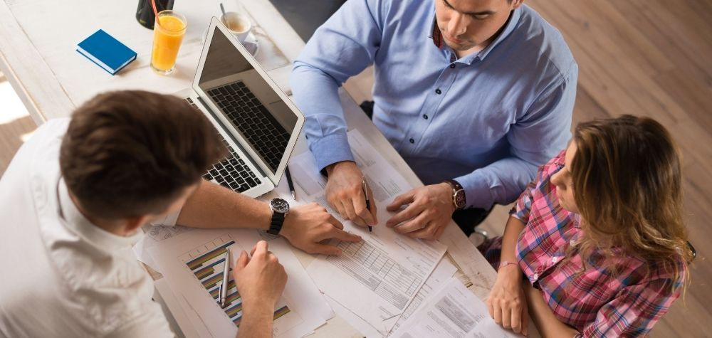 Choosing The Right Financial Advisor For You